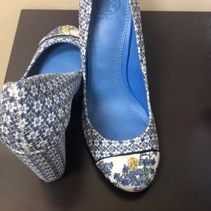 Brand new, Tory Burch Ethel Pump in Ressoa Blue